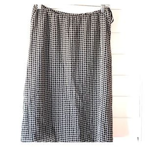 Black and white patterned silk skirt